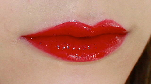 Yves Saint Laurent Glossy Stains & lip swatches