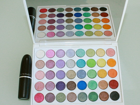 Yaby World of Pearl Paint Palette