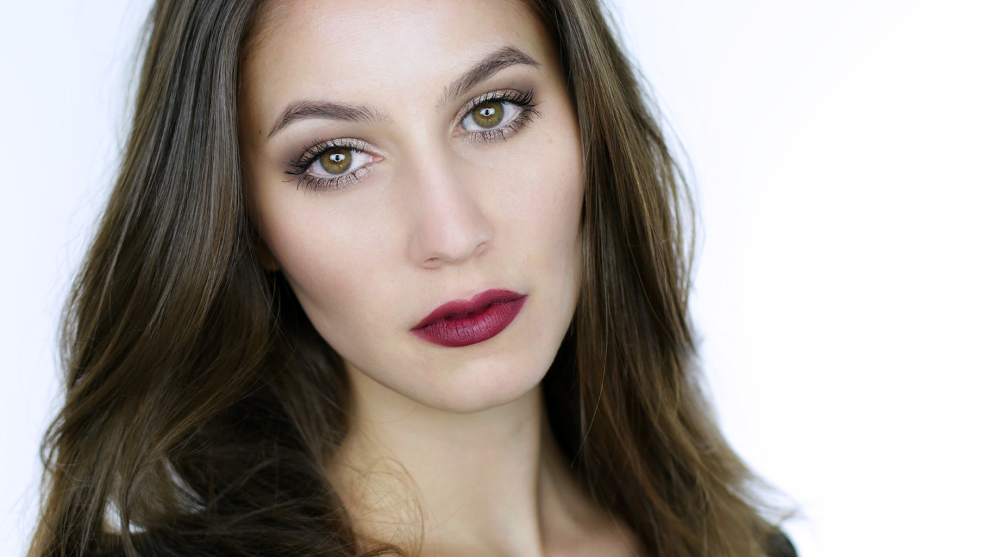 Glossy Lid & Vampy Lip Makeup Tutorial