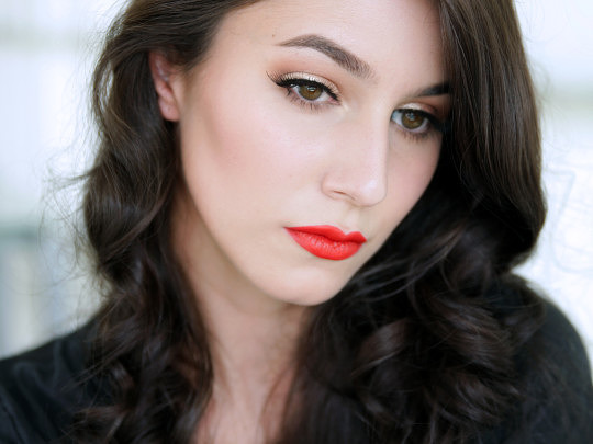 Old Hollywood Inspired Christmas Makeup Tutorial