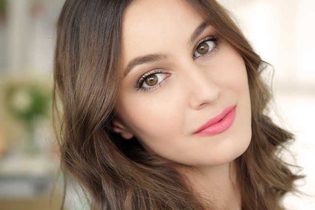 Natural Drugstore Makeup with Focus on Hair Colour