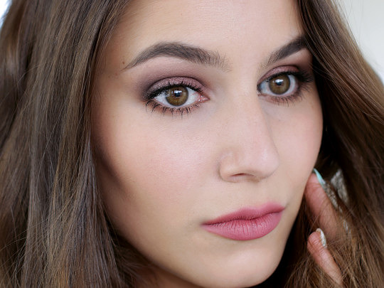 First Impressions – Romantic Rose Makeup