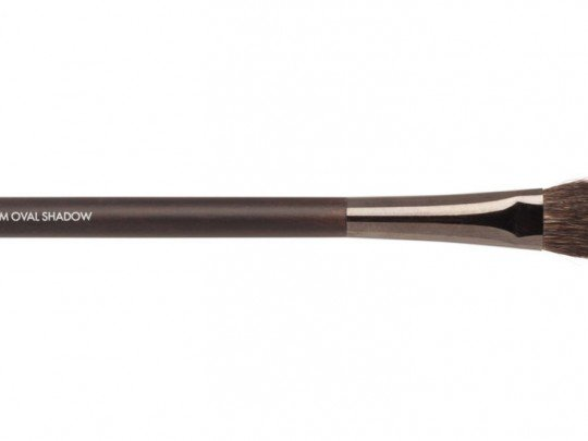 Medium Oval Shadow Brush