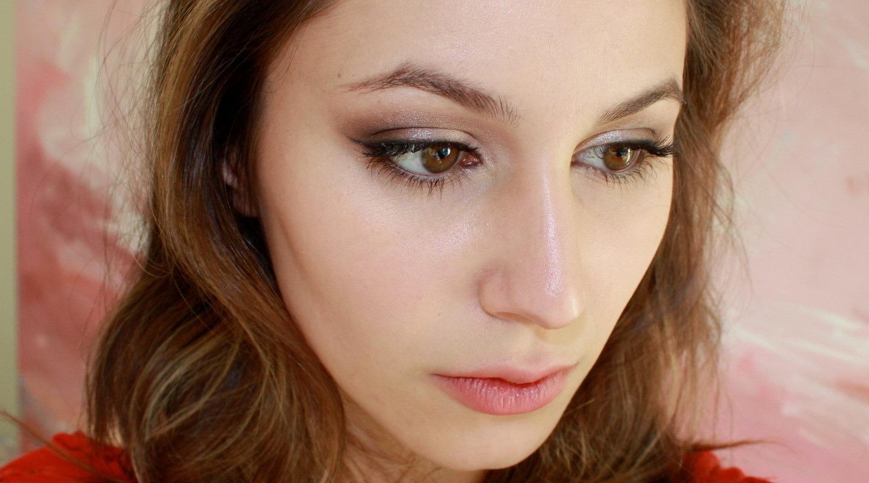 Kevyn Aucoin Sensual Skin Enhancer as a foundation