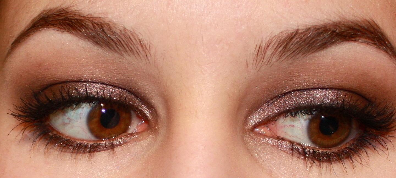 Smokey Eyes – Brown Eyeshadow