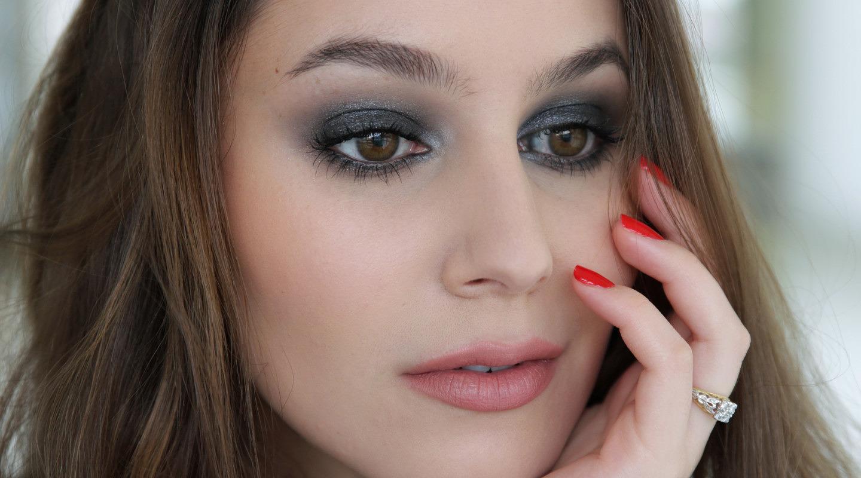 Modern Bombshell Makeup using Tom Ford