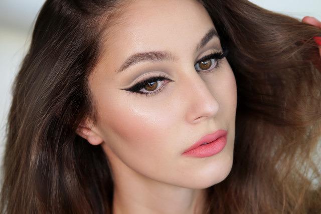 Fierce Cat Eye & Cut Crease Makeup Tutorial