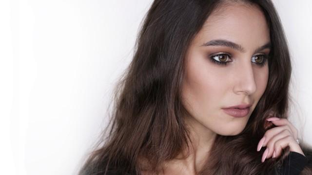 Soft Grunge (Burberry Inspired) Makeup Tutorial
